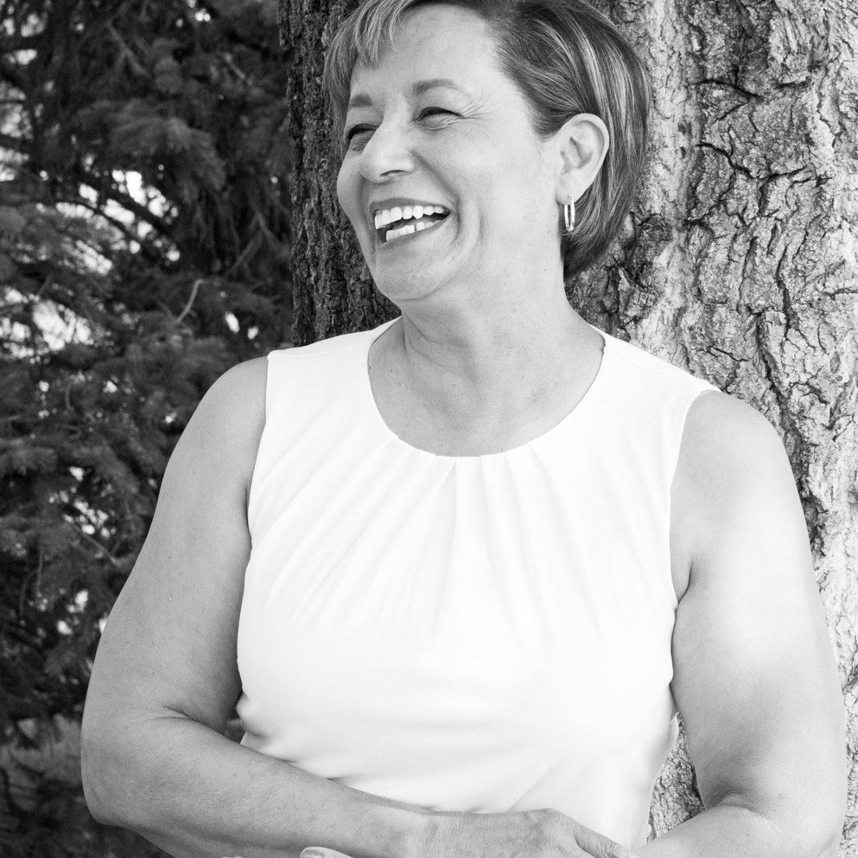 mom-portrait-bw-jahrling-jodi